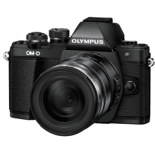 OLYMPUS E-M10 II + M.ZUIKO ED 12-50mm f/3,5-6,3, čierna